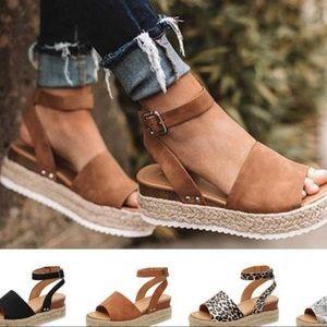 Shoes - STRAP BUCKLE SANDALS